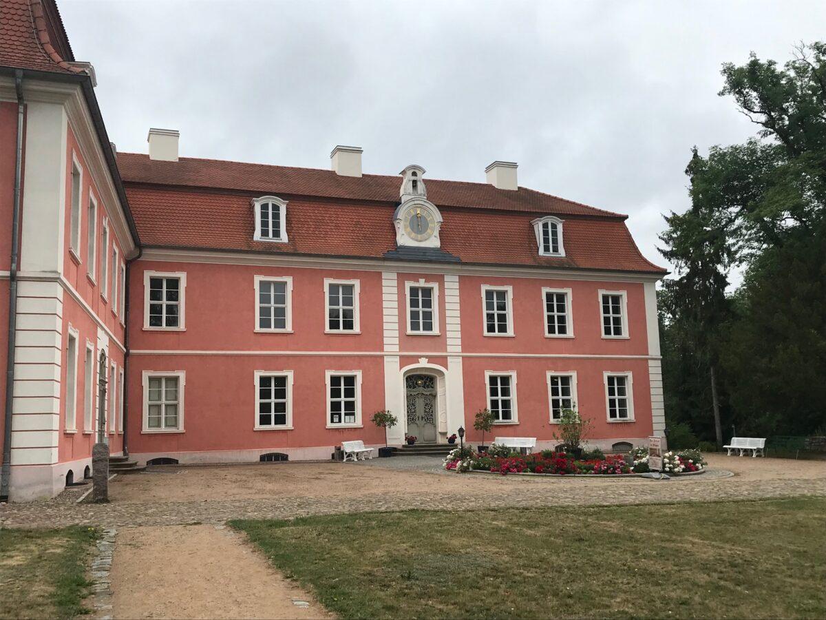 Schloss Wolfshagen: ein Schmuckstück in Rotocker